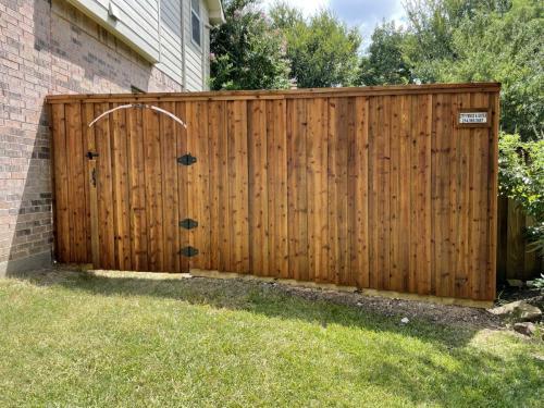 city-fence-gates-custom-fence-with-gate-dallas-img1