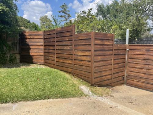 city-fence-gates-custom-fencing-dallas-img1