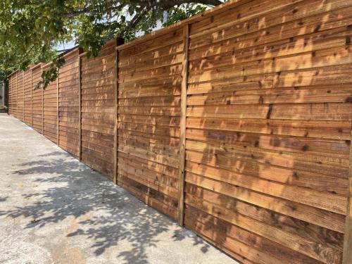 city-fence-gates-custom-fencing-horizontal-img1