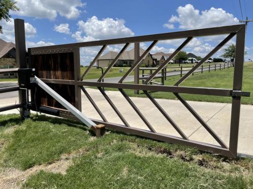 city-fence-gates-custom-modern-metal-gate-dallas-img2